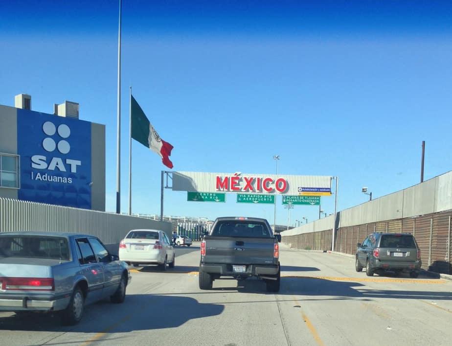 entering mexican customs